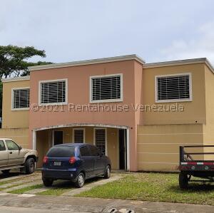 Casa En Ventaen Guatire, Estancia Las Margaritas, Venezuela, VE RAH: 22-5489