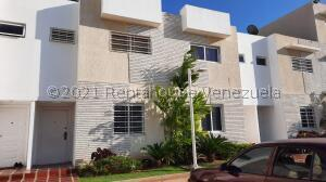 Townhouse En Ventaen Maracaibo, El Pilar, Venezuela, VE RAH: 22-5516