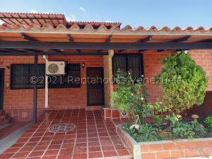 Casa En Ventaen Guatire, El Ingenio, Venezuela, VE RAH: 22-5669
