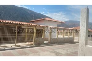 Casa En Ventaen Lagunillas, Lagunillas, Venezuela, VE RAH: 22-5553