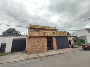 Casa En Ventaen Maracay, La Coromoto, Venezuela, VE RAH: 22-5605