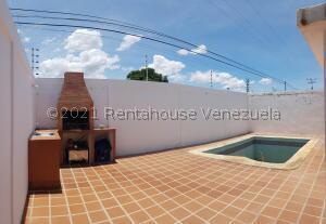 Casa En Ventaen Coro, Sector Los Perozos, Venezuela, VE RAH: 22-5630