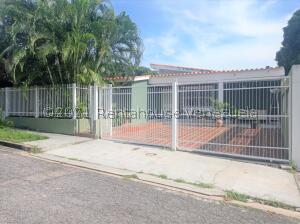 Casa En Ventaen Valencia, Trigal Centro, Venezuela, VE RAH: 22-5641