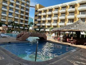 Apartamento En Ventaen Margarita, Costa Azul, Venezuela, VE RAH: 22-5702