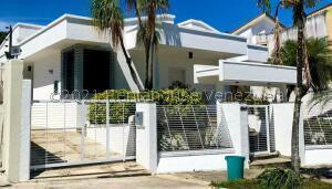 Casa En Ventaen Valencia, Prebo Iii, Venezuela, VE RAH: 22-5646