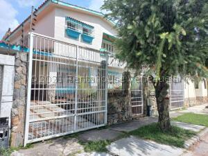 Casa En Ventaen Valencia, Trigal Norte, Venezuela, VE RAH: 22-5661