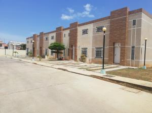Townhouse En Ventaen Cabimas, Buena Vista, Venezuela, VE RAH: 22-5684