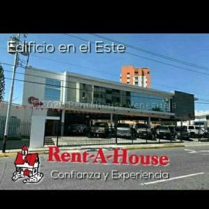 Local Comercial En Ventaen Barquisimeto, Del Este, Venezuela, VE RAH: 22-5755