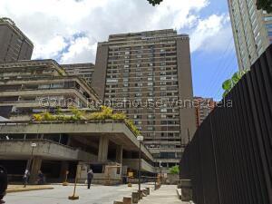 Apartamento En Ventaen Caracas, Prado Humboldt, Venezuela, VE RAH: 22-5802