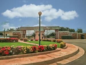 Terreno En Ventaen Punto Fijo, Terrazas Club De Golf, Venezuela, VE RAH: 22-5781