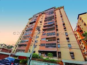 Apartamento En Ventaen Maracay, Urbanizacion El Centro, Venezuela, VE RAH: 22-5791