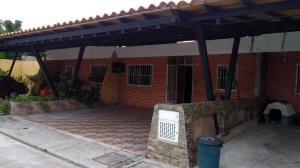 Townhouse En Ventaen Municipio San Diego, Sabana Del Medio, Venezuela, VE RAH: 22-5800