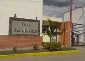 Townhouse En Ventaen Municipio San Diego, Monte Carmelo, Venezuela, VE RAH: 22-5801