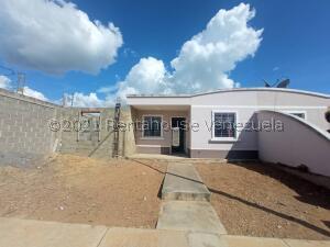 Casa En Ventaen Barquisimeto, Roca Del Norte, Venezuela, VE RAH: 22-5869
