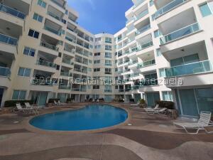 Apartamento En Ventaen Tucacas, Tucacas, Venezuela, VE RAH: 22-5915