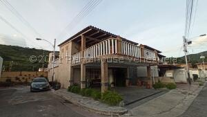 Casa En Ventaen Turmero, Valle Paraiso, Venezuela, VE RAH: 22-5894