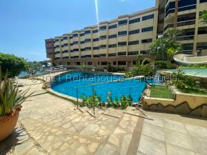 Apartamento En Ventaen Higuerote, Higuerote, Venezuela, VE RAH: 22-5897
