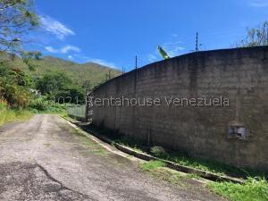 Terreno En Ventaen Municipio Naguanagua, Carialinda, Venezuela, VE RAH: 22-5937