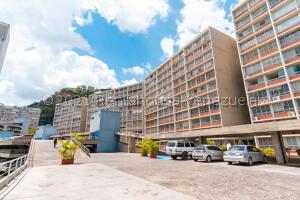 Apartamento En Ventaen Caracas, El Encantado, Venezuela, VE RAH: 22-5942