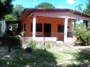 Casa En Ventaen Ciudad Bolivar, Sector Marhuanta, Venezuela, VE RAH: 22-6134