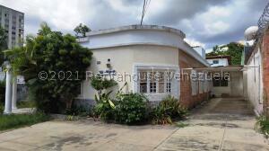 Casa En Ventaen Caracas, Los Palos Grandes, Venezuela, VE RAH: 22-5960