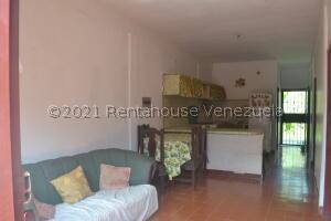 Casa En Ventaen Yaritagua, Municipio Peña, Venezuela, VE RAH: 22-6028
