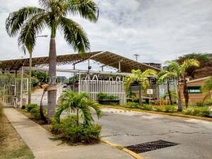 Apartamento En Ventaen Guatire, La Sabana, Venezuela, VE RAH: 22-5946