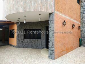Casa En Alquileren San Antonio De Los Altos, Parque El Retiro, Venezuela, VE RAH: 22-6031