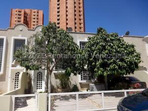 Townhouse En Ventaen Maracaibo, Las Mercedes, Venezuela, VE RAH: 22-6306