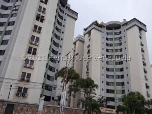 Apartamento En Ventaen Municipio Naguanagua, La Granja, Venezuela, VE RAH: 22-6109