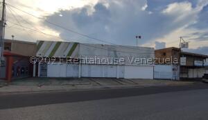 Local Comercial En Ventaen Maracaibo, Avenida Goajira, Venezuela, VE RAH: 22-6116