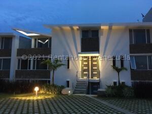 Apartamento En Ventaen Caracas, El Hatillo, Venezuela, VE RAH: 22-6315