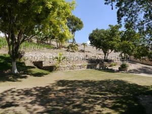 Terreno En Ventaen Barquisimeto, La Ensenada, Venezuela, VE RAH: 22-6129