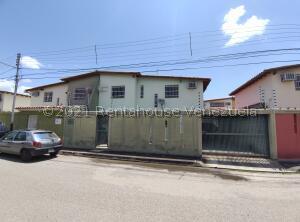 Casa En Ventaen La Morita, Conjunto Residencial El Rosal, Venezuela, VE RAH: 22-6140