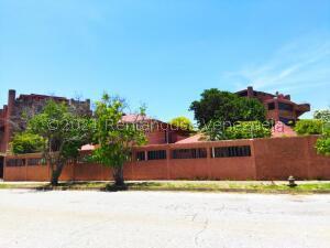 Apartamento En Ventaen Margarita, Costa Azul, Venezuela, VE RAH: 22-6298