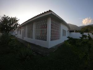 Casa En Ventaen San Felipe, San Felipe, Venezuela, VE RAH: 22-6233