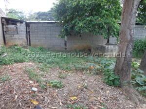 Terreno En Ventaen Cabudare, La Piedad Norte, Venezuela, VE RAH: 22-6260