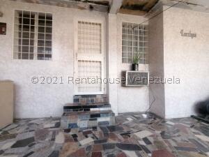 Casa En Ventaen Cabudare, La Puerta, Venezuela, VE RAH: 22-6278