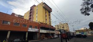 Apartamento En Ventaen Barquisimeto, Centro, Venezuela, VE RAH: 22-6285