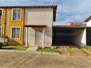 Townhouse En Ventaen El Tigre, Pueblo Nuevo Sur, Venezuela, VE RAH: 22-6309