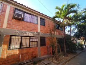 Apartamento En Ventaen Cagua, Prados De La Encrucijada, Venezuela, VE RAH: 22-6326