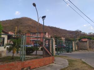 Apartamento En Ventaen Turmero, La Laguna Ii, Venezuela, VE RAH: 22-6327
