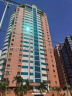 Apartamento En Ventaen Valencia, Las Chimeneas, Venezuela, VE RAH: 22-6355