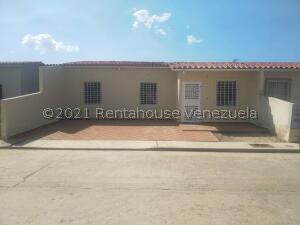 Casa En Ventaen Guacara, Ciudad Alianza, Venezuela, VE RAH: 22-6377