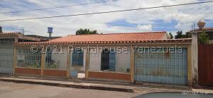 Casa En Ventaen Barquisimeto, Centro, Venezuela, VE RAH: 22-6394
