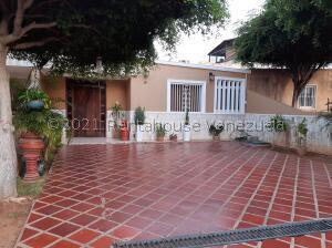 Townhouse En Ventaen Maracaibo, Amparo, Venezuela, VE RAH: 22-6397