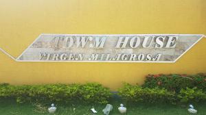 Townhouse En Ventaen Coro, Centro, Venezuela, VE RAH: 22-6462