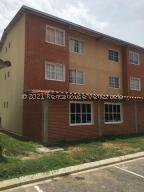 Apartamento En Ventaen Guatire, Alto Grande, Venezuela, VE RAH: 22-6556