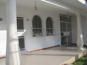 Casa En Ventaen Maracay, La Barraca, Venezuela, VE RAH: 22-6573