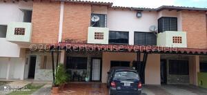 Townhouse En Ventaen Municipio Naguanagua, Barbula, Venezuela, VE RAH: 22-6581